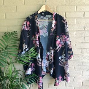 Torrid Dark Floral Ruana Kimono Size 2X/3X